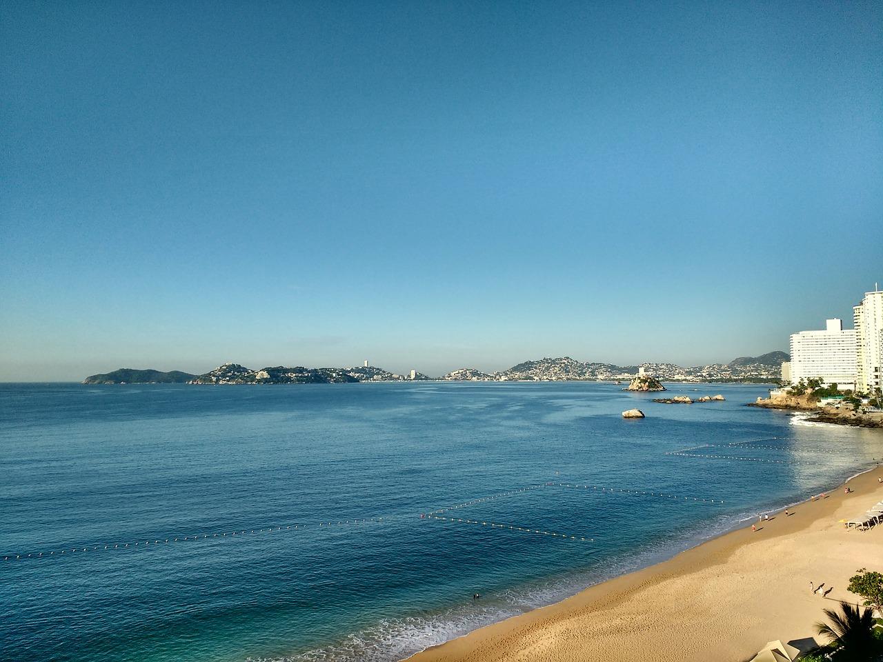 Orilla de la playa de Acapulco