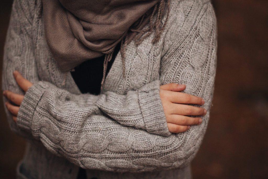 el suéter y el resfriado